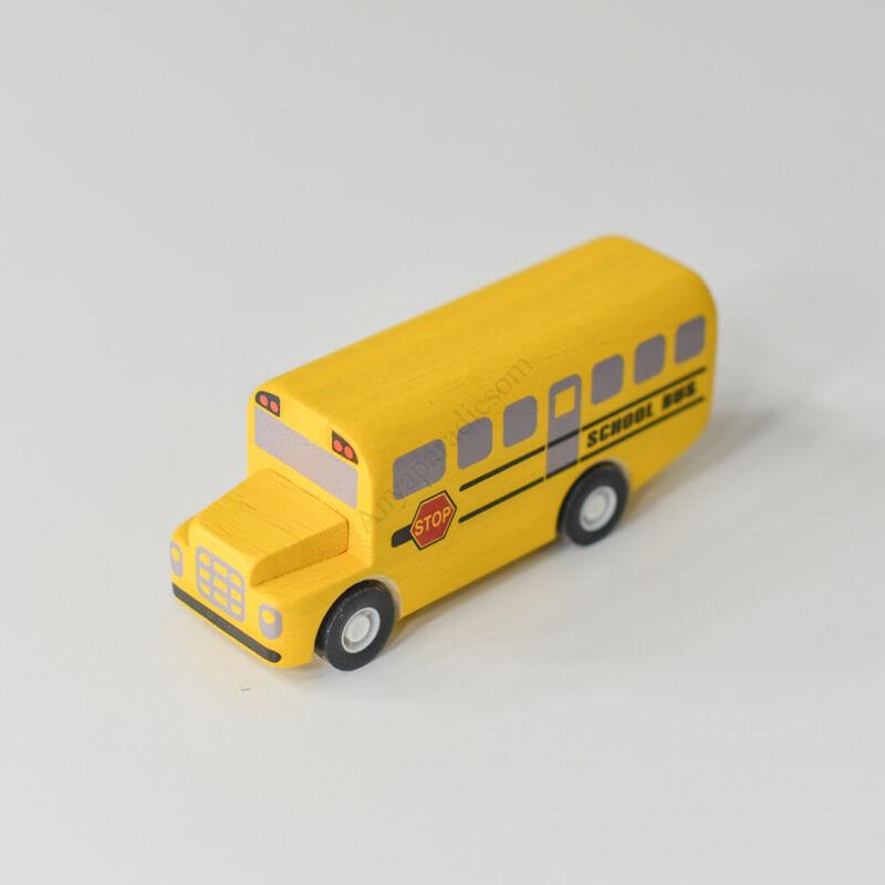 plantoys iskolabusz