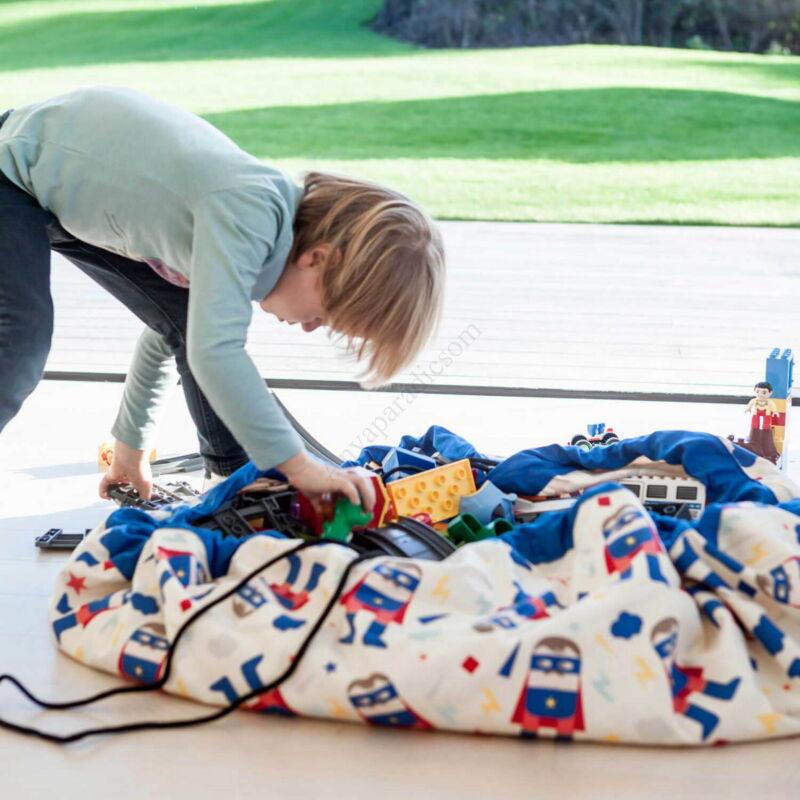 Play&go játéktároló zsák 2 az 1-ben, superhero kifutó termék